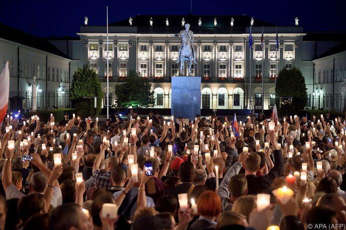 Polens Präsident fordert Nachbesserungen bei Justizreform