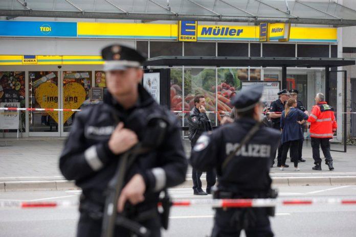 Messer-Attacke in Hamburger Supermarkt: Ein Toter, mehrere Verletzte