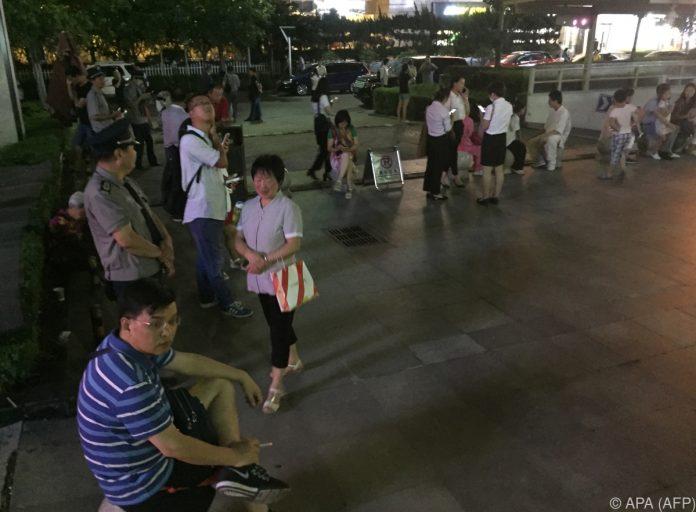 Dutzende Tote nach Erdbeben in Südwestchina befürchtet