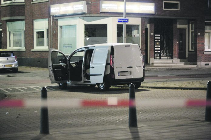 Verdächtiger Lieferwagen aus Spanien: Popkonzert in Rotterdam wegen Terrordrohung abgesagt