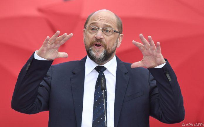"""SPD-Chef Schulz mokiert sich über Merkels """"Schlaftablettenpolitik"""""""