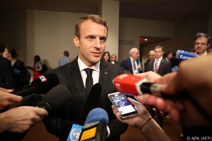 Linke demonstrieren gegen Macrons Arbeitsmarktreform in Frankreich