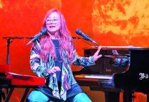 Eine großartige Stimme, ein Klavier und ein Keyboard sind die Zutaten, mit denen Tori Amos für einen eindrucksvollen Konzertabend sorgt.