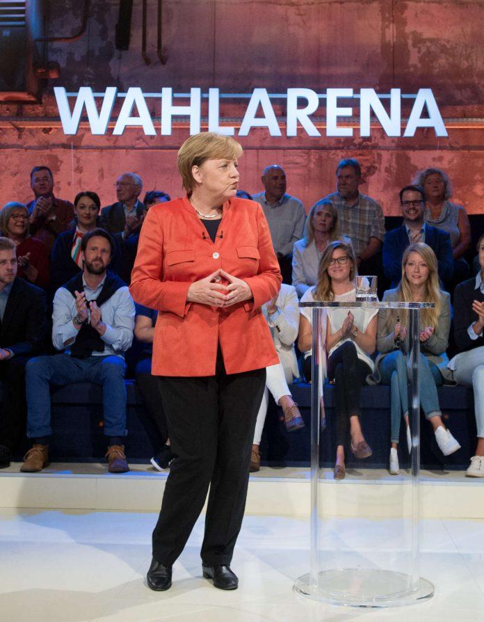 Merkel will über Ungarns EU-Mitgliedschaft reden