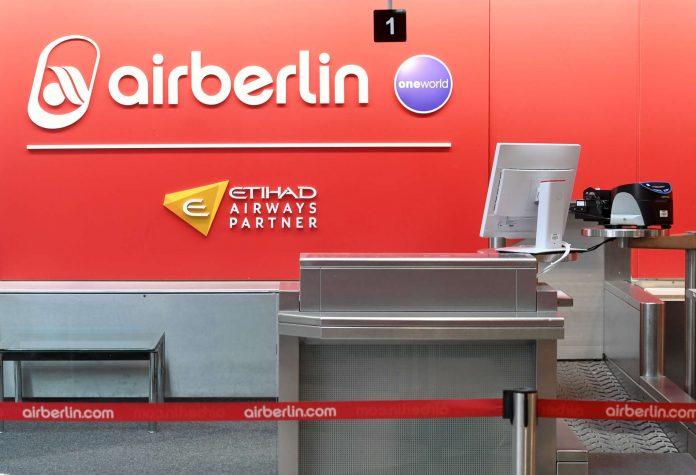 Bei sehr vielen Flügen ging auch gestern bei den Air-Berlin-Schaltern wenig weiter. Kunden waren frustriert.