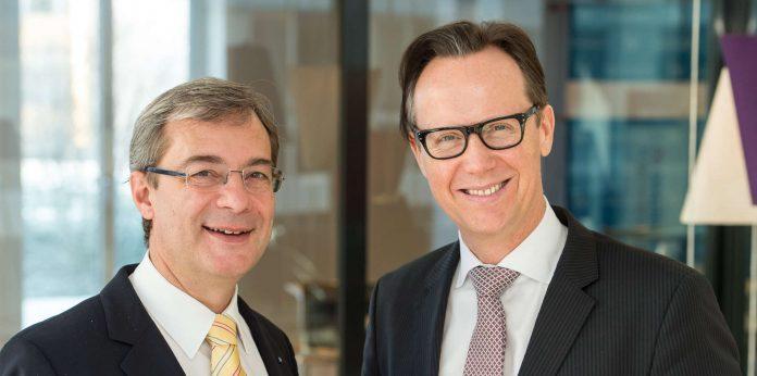 Der Präsident der Industriellenvereinigung Oberösterreich, Axel Greiner und IV-OÖ-Geschäftsführer Joachim Haindl-Grutsch fordern eine deutliche Aufwertung für die Linzer Johannes Kepler Universität und die Forschung in Oberösterreich.