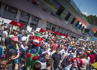 Die Nähe zu den Fans ist in der DTM einzigartig, das weiß auch DTM-Chef Gerhard Berger (kl. Bild) sehr zu schätzen.