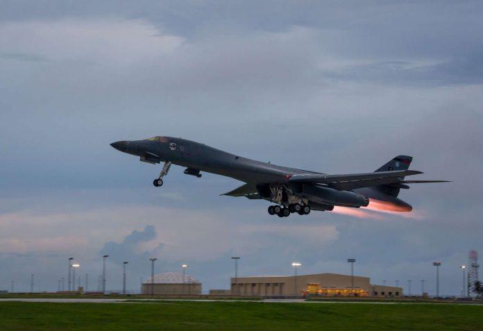 Zwei US-Bomber üben in der Nähe der Koreanischen Halbinsel