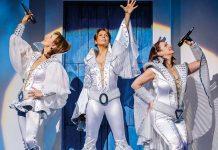 """Donna und ihre beiden Freundinnen Rosie und Tanja bringen ABBA-Flair ins Musical """"Mamma Mia!"""""""