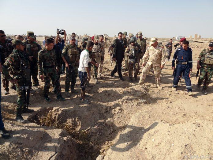 Massengräber mit 400 Opfern im Irak entdeckt