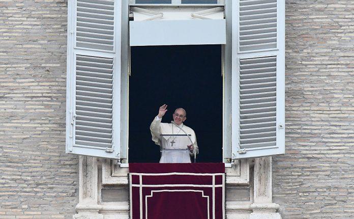Papst Franziskus ruft zum neuen Jahr zu Stille und Vertrauen auf