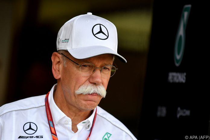 Mercedes-Benz: Der Stern ist oben auf