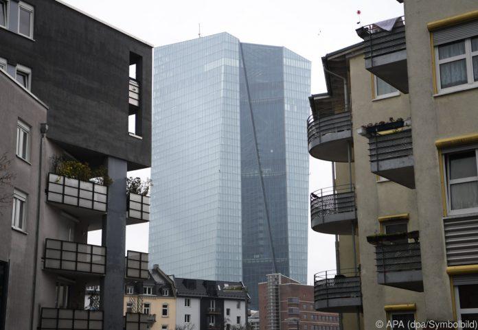 Lässt EZB-Chef Draghi die Sparer heute weiter zappeln?