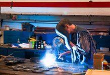 Aluminium und Stahl spielen in den USA eine große Rolle für die Rüstungsindustrie. Auch aus dem Grund sind laut US-Handelsminister Wilbur Ross die Billigstahlimporte eine Gefahr für die nationale Sicherheit.