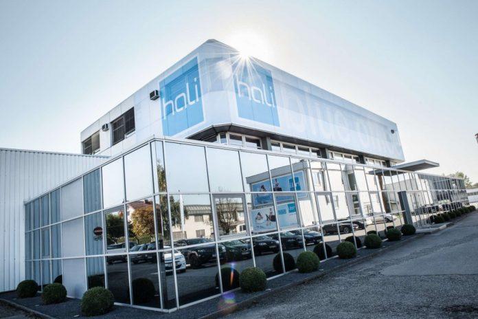 Am Heimatstandort von hali in Eferding und an den sieben Vertriebsniederlassungen arbeiten 230 Mitarbeiter.