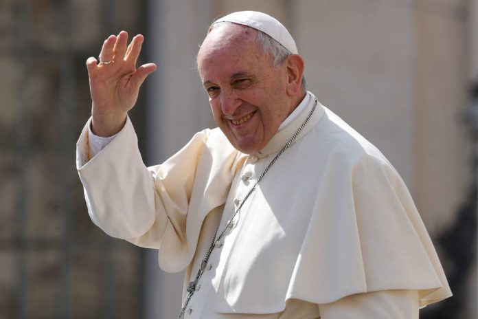 Papst Franziskus macht Osterbesuch bei Benedikt XVI