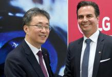 Ji Yong Kim (Vizepräsident LG Vehicle Components) und Oliver Schubert (CEO ZKW) im Rahmen einer PK zur Partnerschaft zwischen ZKW und LG .