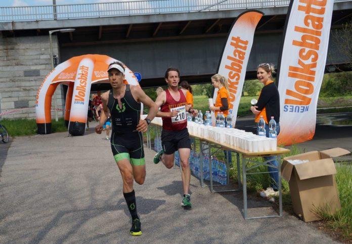 Beim VOLKSBLATT-Stand können die Läufer auch heuer wieder Flüssigkeit tanken.
