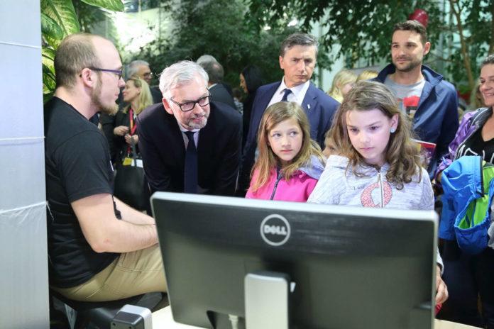 Wirtschafts- und Forschungsreferent LH-Stv. Michael Strugl besuchte die kleinen Forscher im Softwarepark Hagenberg