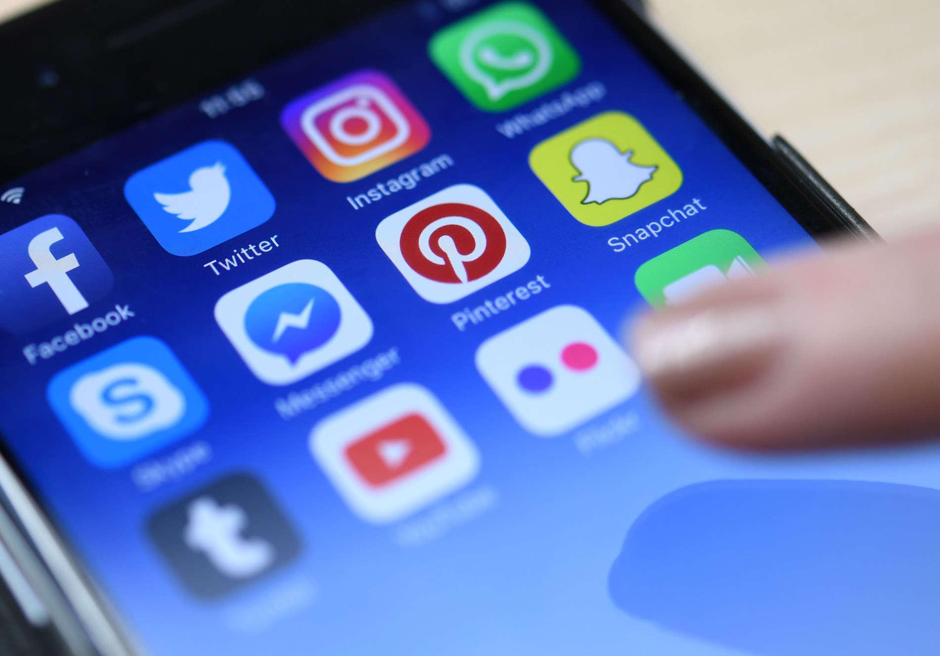 Gerade Jugendliche sind in sozialen Netzwerken auch Gefahren ausgesetzt.