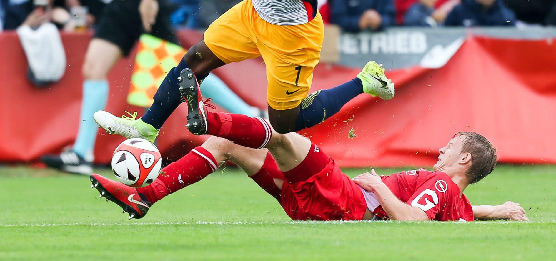 Nach der Führung durch Xaver Schlager machte Reinhold Yabo (Bild) mit den Toren zum 2:0 und 3:0 für Salzburg ind Oedt rasch alles klar