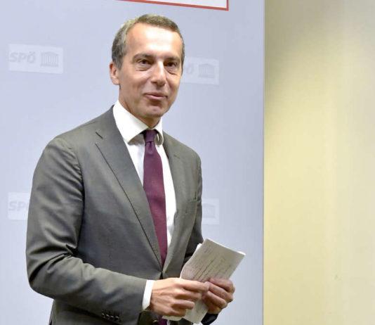 Schritt gestern zur Zeugnisverteilung an die Regierung: Ex-Kanzler und SPÖ-Klubchef Christian Kern.