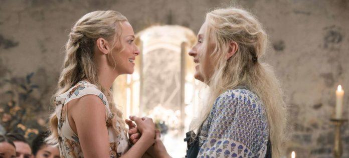 Mutter und Tochter einst vereint in den Hits von ABBA: Amanda Seyfried als Sophie und Meryl Streep als ihre Mutter Donna.