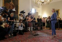 Das Thema Kinderbetreuung beschert Familienministerin Juliane Bogner-Strauß — hier bei einem Auftritt nach einer Ministerratssitzung — auch in der Ferienzeit mediale Aufmerksamkeit