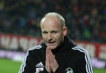 Da hilft nur beten: Oedt (Bild: Trainer Gerhard Schweitzer) ist gegen Salzburg krasser Außenseiter.