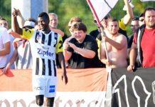 Yusuf Otubanjo gab auf ein böses Spruchband der eigenen Fans seine Antwort in Form von zwei Toren.