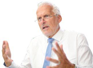 Justizminister Moser will den Reformzug im Herbst wieder auf Schiene bringen und kündigt Kompetenzbereinigungen zwischen Bund und Ländern an.