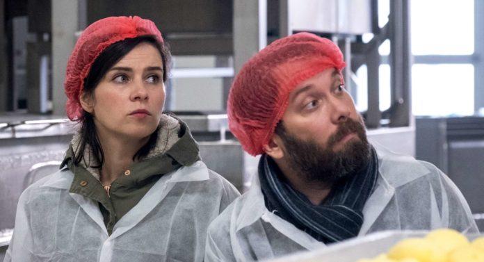 """""""Tatort"""": Nora Tschirner und Christian Ulmen ermitteln diesmal im Knödel-Milieu."""