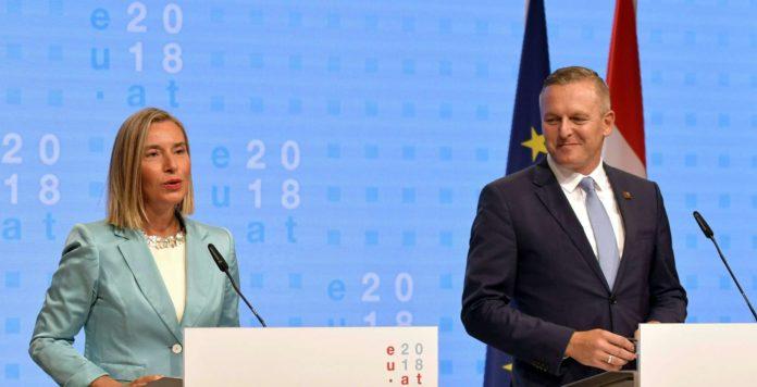 """Wiener Flüchtlingsverteilungsk(r)ampf: Verteidigungsminister Kunasek mit EU-Außenbeauftragter Mogherini.Außenministerin Kneissl hat Verständnis für Italiens Forderung nach """"Häfen-Rotation""""."""