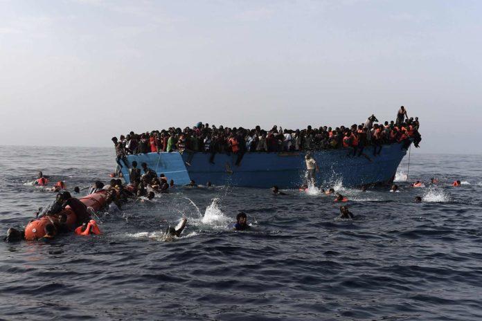 Immer mehr Menschen ertrinken im Mittelmeer auf der Fahrt Richtung Europa.