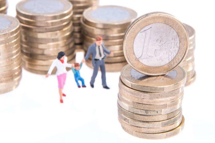 Auch in Deutschland mehren sich die politischen Stimmen, dass die ins EU-Ausland fließende Familienbeihilfe an die Lebenshaltungskosten im jeweiligen Land angepasst werden soll.
