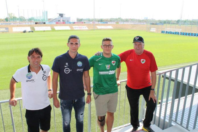 Freuen sich auf das erste Regionalliga-Derby FC Wels gegen WSC Hertha: Die Trainer Juan Bohensky (r.) und Stefan Kuranda (l.) sowie die Spieler Daniel Petersdorfer (2. v. r.) und Oliver Affenzeller.