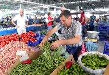 Hungert das Volk, kann auch Erdogans Herrschaft ins Wanken geraten. Derzeit sind die Preise für Obst und Gemüse in der Türkei um 40 Prozent höher als im Vorjahr.