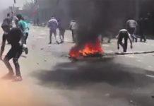 Im Iran kommt es — wie dieser Video-Screenshot aus Isfahan zeigt — seit Tagen immer wieder zu Protesten, die sich nicht gegen die USA, sondern das Teheraner Regime richten.