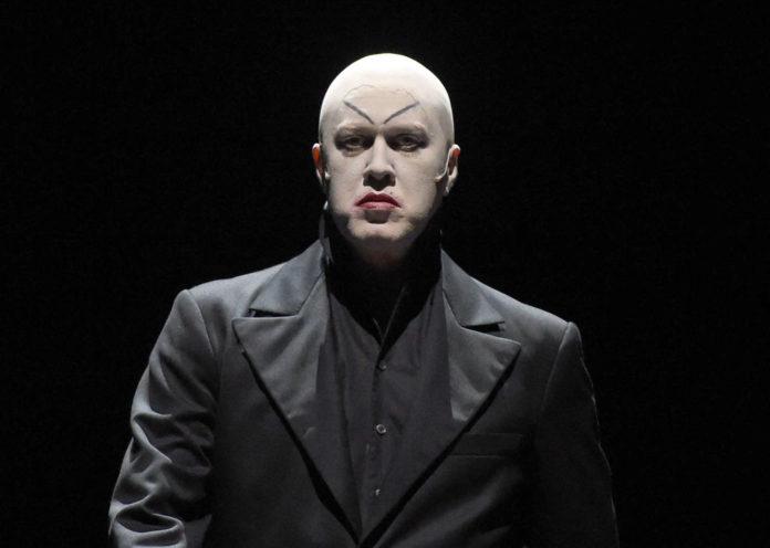 Nicholas Ofczarek als Hendrik Höfgen