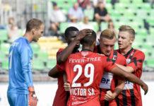Die LASK-Stürmer treffen wieder und legten sich die drei Tore gleich gegenseitig auf: Yusuf Otubanjo (l.), Joao Victor und Thomas Goiginger (2.v.r.).