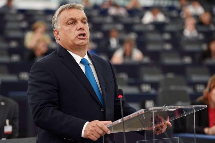 """""""Alles Lügen"""": Viktor Orban ging gestern in Straßburg in die Gegenoffensive, doch in der EVP bröckelt der Rückhalt für ihn."""