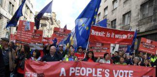 Marsch der Brexit-Gegner durch Liverpool, wo Labour parteitagt.