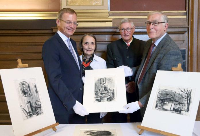V. l.: LH Thomas Stelzer mit Diemut Kastner (Nichte des Sammlers), Otfried Michael Kastner und Walter Kastner (beide Neffen des Sammlers)