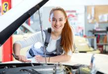 Die Regierung will vor allem wieder mehr Jugendliche für eine Lehrausbildung begeistern.