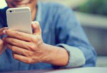 Die drei Oberösterreicher Daniel Laiminger, Karl Edlbauer und Simon Tretter (v.l.) haben die mobile Jobplattform hokify gegründet und erfolgreich am Markt platziert. 300.000 Menschen nutzen die App im Stil der Dating-Plattform Tinder pro Monat zur Jobsuche. 20.000 Stellen konnten im Vorjahr erfolgreich vermittelt werden.Egal ob im Bus, beim Warten am Bahnhof oder abends bequem auf dem Sofa: Auf der Suche nach einem neuen Job kommen vermehrt Smartphone und Tablet zum Einsatz. Drei Oberösterreicher haben eine App entwickelt, in der man nicht nur nach Jobs suchen sondern sich auch bewerben kann. Die voestalpine setzt bei der Suche nach neuen Mitarbeitern auf Facebook.