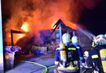Neun Feuerwehren mit insgesamt 150 Mann bekämpften die Flammen in Laakirchen.