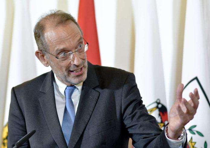 Bildungsminister Heinz Faßmann (ÖVP) will über Kopftuchverbot in der Unterstufe diskutieren.