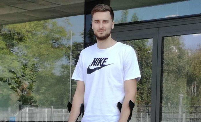 Aktuell ist Paul Buchegger Stammgast in der Physiotherapie im Linzer Olympiazentrum, am 8. Oktober plant er die Reise nach Italien zu seinem neuen Klub Monza.