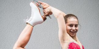 Stefanie Pesendorfer schwebt übers Eis.