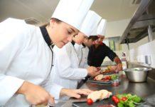Köche führen die Liste jener Berufe an, in denen Facharbeiter Mangelware sind.